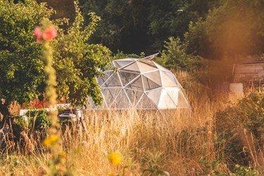 Active Solar Greenhouses